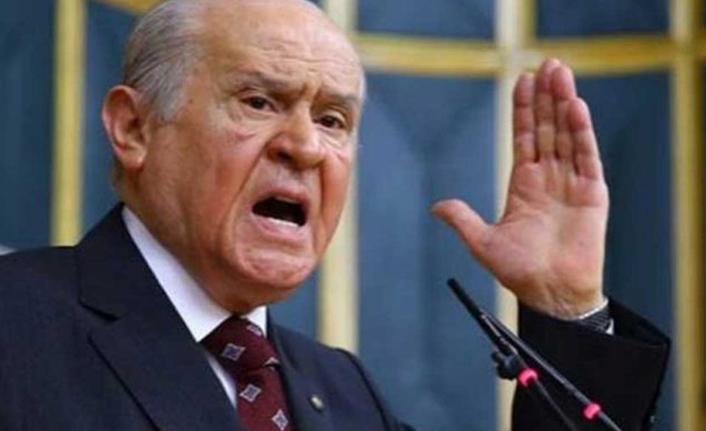 Bahçeli'den 103 emekli amirale tepki: Rütbeleri sökülmelidir
