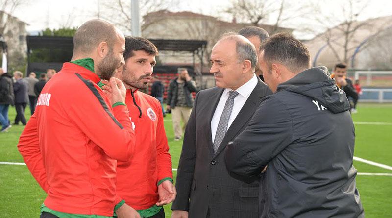 Vali Muammer Erol'dan Yalovaspor'a Kutlama Mesajı