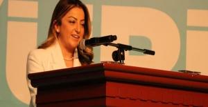 Selihan Dicle Şimşek, AK Parti Yalova Kadın Kolları Başkanı seçildi